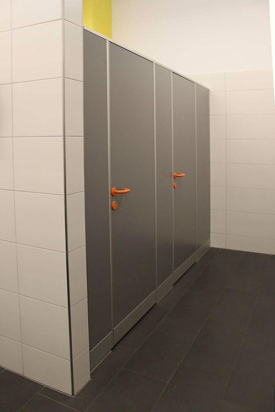 WC Trennwand Typ R32 - ReGe GmbH